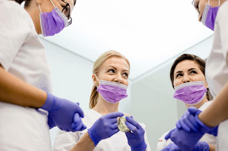 Medici în slujba pacientului
