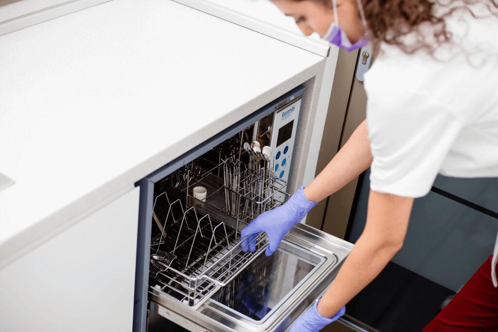 Mașina de spălat instrumentar
